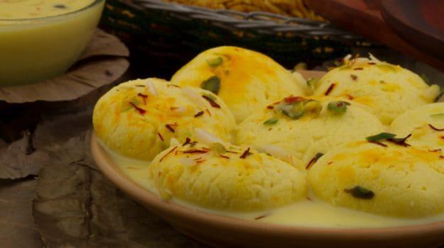 rasmalai-with-saffron