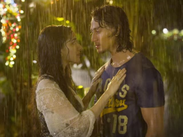Shraddha, Tiger's Aashiqui in the Rain in New Baaghi Song