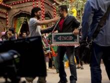 Karan Johar 'Hopes' Salman and Shah Rukh do a Film Together