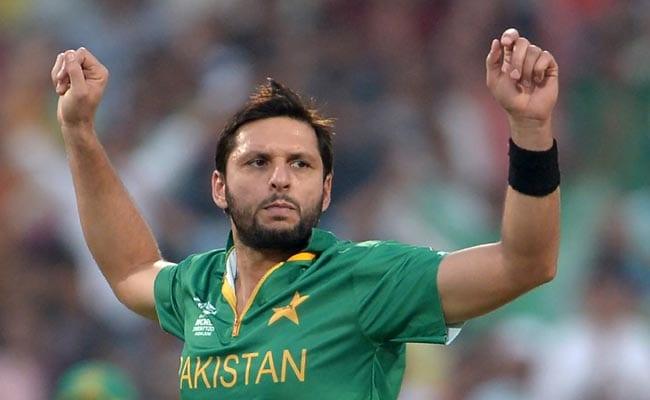 क्रिकेट फैन्स ने लियोनेल मेसी के संन्यास के बाद, क्रिकेटर शाहिद अफरीदी से पूछा- आप कब जाओगे?