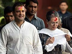 Sonia Gandhi, Rahul Gandhi Celebrate Holi At Congress Headquarters