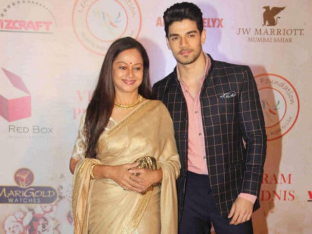 Sooraj Pancholi Wants to do a Film With Mother Zarina Wahab