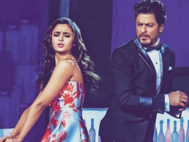 For Alia Bhatt, Working With Shah Rukh Khan Was 'Like a Breeze'
