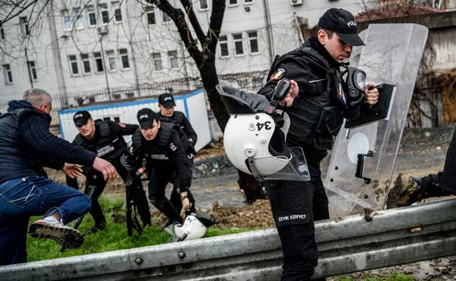 Istanbul Police Detains ISIS Suspects Over Planned Attacks