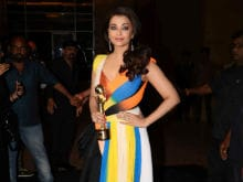 Aishwarya Rai Bachchan Wins Global Indian of the Year Award