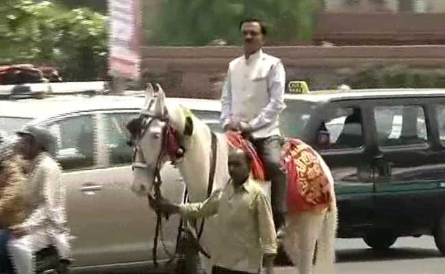 This Lawmaker Rode A Horse To Parliament To Protest Odd-Even Rule