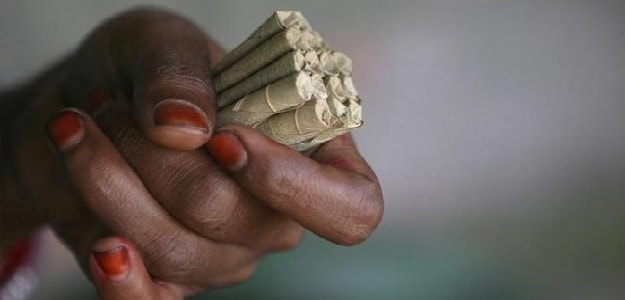 In Health Warning Showdown, Tobacco Industry Turns To Top Court