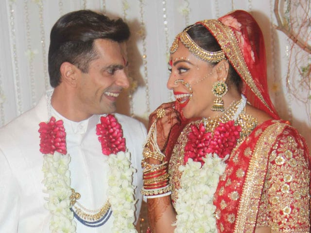 Bipasha-Karan's Wedding: Big B, Aishwarya, Shah Rukh Lead Celeb Roll Call