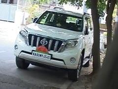 कर्नाटक : येदियुरप्पा की महंगी SUV पर उठा विवाद, बीजेपी ने कहा - 'उधार' पर ली है गाड़ी