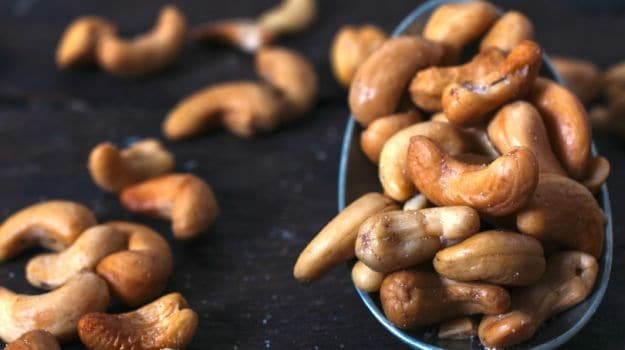 How much cashew nuts to eat in a day — photo 2