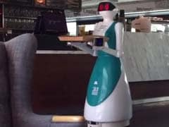चीन : रेस्त्रां को 'बेवकूफ' रोबोट कर्मचारियों का काम नहीं आया पसंद, तो किया बर्खास्त