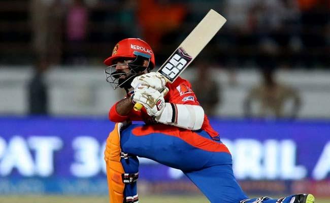 Vijay Hazare Trophy : दिनेश कार्तिक के शतक से तमिलनाडु ने जीता खिताब, बंगाल को 91 रन से हराया