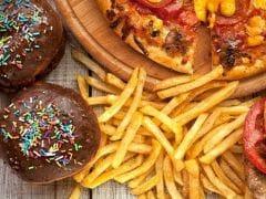 फास्ट फूड खाने से हो सकती हैं कई स्वास्थ्य संबंधी परेशानियां