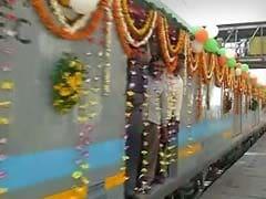 तस्वीरों में देखें : भारत की सबसे तेज ट्रेन शताब्दी से बस सात मिनट आगे है गतिमान एक्सप्रेस