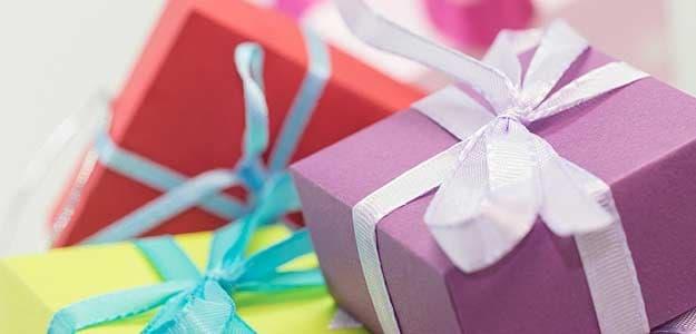 Diwali 2017: इस दीपावली को यादगार बनाने के लिए अपने चाहने वालों को गिफ्ट करें ये चीजें