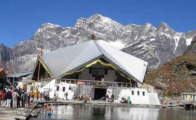 15200 फुट की ऊंचाई पर स्थित है हेमकुंट साहिब, इन कठिनाईयों से होकर यहां पहुंचते हैं श्रद्धालु