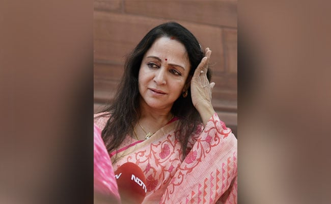 100% With Our Jawans, Do Not Back Pak Artistes Working In India: Hema Malini