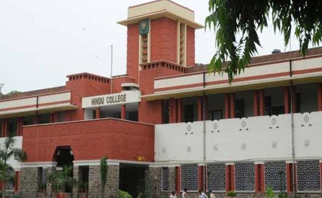 Delhi University Admission 2017: DCW Summons Hindu College's Principal Over Girls' Hostel Fees