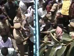 हैदराबाद यूनिवर्सिटी में फिर उग्र प्रदर्शन, करीब 70 छात्रों को हिरासत में लिया गया