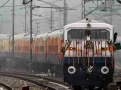 Bihar Rain: भारी बारिश के अलर्ट के बीच बिहार में रद्द की गई एक दर्जन ट्रेनें, कइयों का बदला गया रूट, देखें पूरी लिस्ट