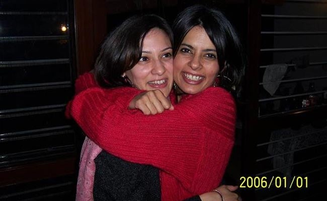 indian single mom dating Older dating india is recognized as one of the best dating websites in india if you like our site, please take a look at older dating india review and rate us disclaimer: 100% free basic membership allows you to browse the site, view profiles, send flirts and modify your profile.