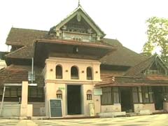 8th Century Kerala Mosque Finally Lets Women In. But Conditions Apply