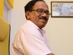गोवा के मुख्यमंत्री लक्ष्मीकांत पारसेकर ने सहयोगी एमजीपी के दो मंत्रियों को कैबिनेट से हटाया