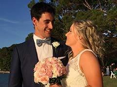 ऑस्ट्रेलिया के तेज गेंदबाज मिचेल स्टार्क ने क्रिकेटर गर्लफ्रेंड से की शादी... देखें PICS