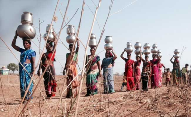 https://i.ndtvimg.com/i/2016-04/nalgonda-women-drought-story-650-2_650x400_81460384364.jpg
