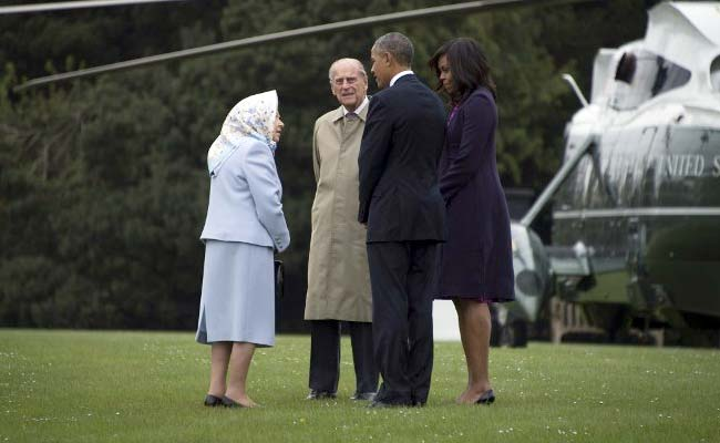 3 Helicopters Only: Queen Imposes Cuts On President Obama's Security