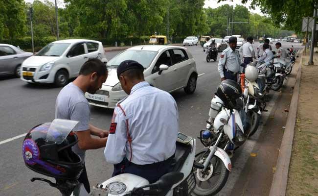 दिल्ली में फिर लौटा ऑड-ईवन (Odd-Even) का नियम, पढ़ें प्रदूषण कम करने के लिए सीएम केजरीवाल का 7 प्वाइंट फॉर्मूला