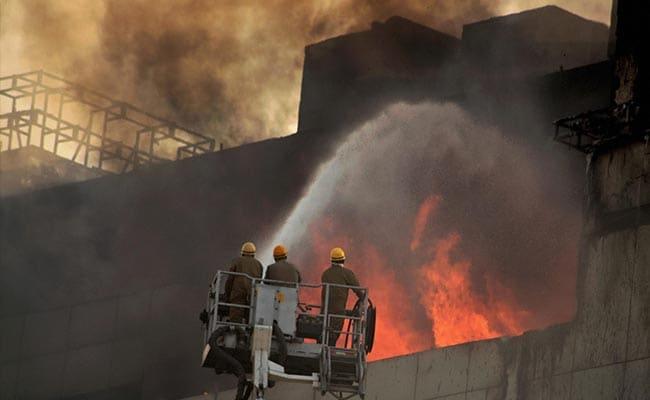 दिल्ली में पेंट फैक्ट्री में लगी आग; दो व्यक्तियों की मौत, दो घायल