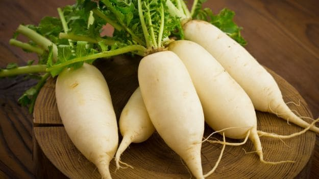 Radish For Weight Loss: Eating This Low-Calorie Winter Veggie May Help You Shed Kilos