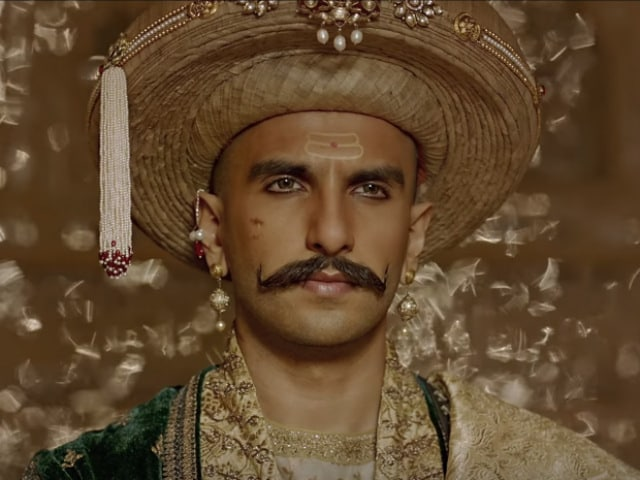 Ranveer Singh is Maharashtrian of the Year and Twitter Doesn't Approve