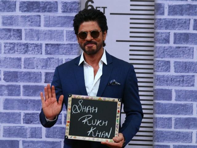 Shah Rukh Khan Doesn't 'Like Himself.' A Fan Confession