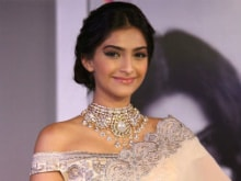 Sonam Kapoor to Reveal Why She Has Been 'Acting a Bit Mental'