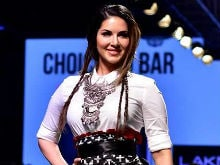 Sunny Leone Says Working With Shah Rukh Was 'Emotional'
