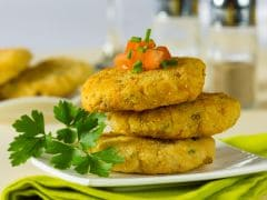 Watch: This Matar Ki Tikki Is An Ideal Warm And Nutty Recipe To Welcome Winters