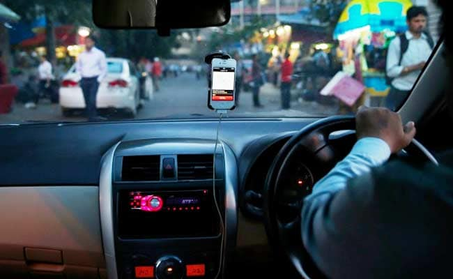 गैरकानूनी उबर-ओला टैक्सी पर रोक क्यों नहीं लगा रहे केजरीवाल?