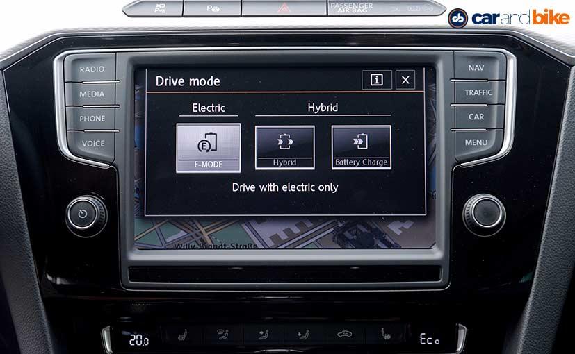 Volkswagen Passat GTE Centre Console