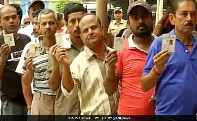 West Bengal: Election Commission puts bans on victory procession after results political parties welcomed the decision – पश्चिम बंगाल: चुनाव के नतीजे घोषित होने पर विजय जुलूस निकालने पर निर्वाचन आयोग ने लगाई रोक, राजनीतिक दलों ने फैसले का किया स्वागत