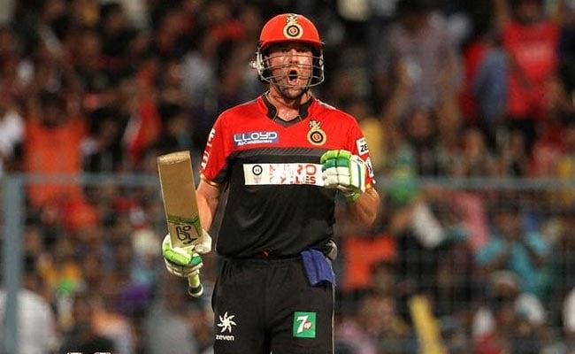 KXIPvsRCB:चिंता में डूबी बेंगलुरू टीम से एबी डिविलियर्स ने कहा, 'मैं हूं ना', पहले 15 ओवर से ज्यादा रन अंतिम पांच ओवर में बना डाले