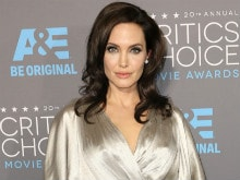 Angelina Jolie to Teach at London School of Economics