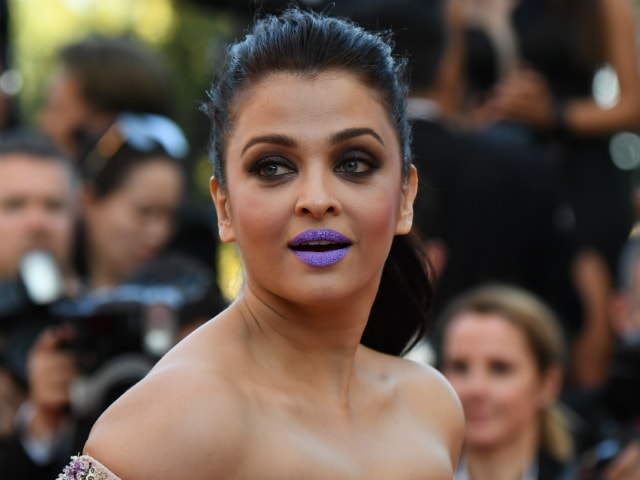 Cannes: Aishwarya Rai Bachchan's Purple Lips Keep Twitter Busy