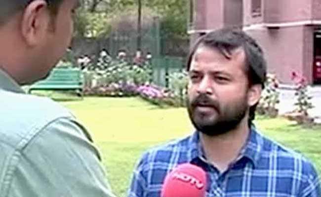 आम आदमी पार्टी के नेता आशीष खेतान ने सुप्रीम कोर्ट से लगाई सुरक्षा की गुहार