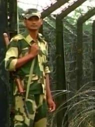 जम्मू कश्मीर में मुठभेड़ : सेना के जवानों ने 3 आतंकियों को किया ढेर, सैन्य अफसर समेत 4 जवान शहीद
