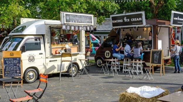 'Food Truck Festival' Brings Mumbai Street Food on Wheels