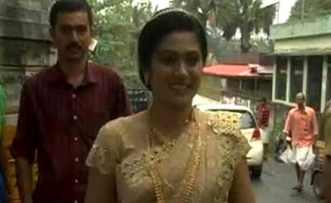 जब केरल में शादी से सिर्फ दो घंटे पहले 'भाग' गई दुल्हन... वोट डालने के लिए...