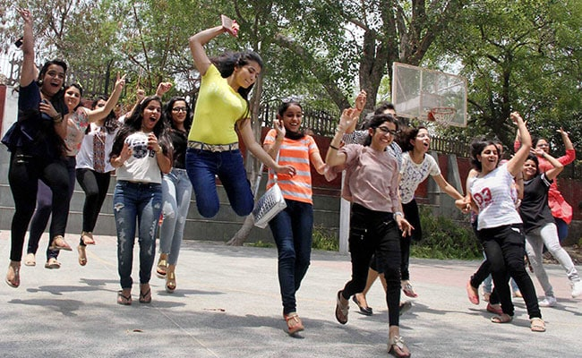 CBSE Class 12 Results 2017: Delhi's Pass Percentage Up, Government Schools Perform Better