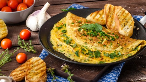 9 Easy Tips And Tricks to Cook the Perfect Omelette